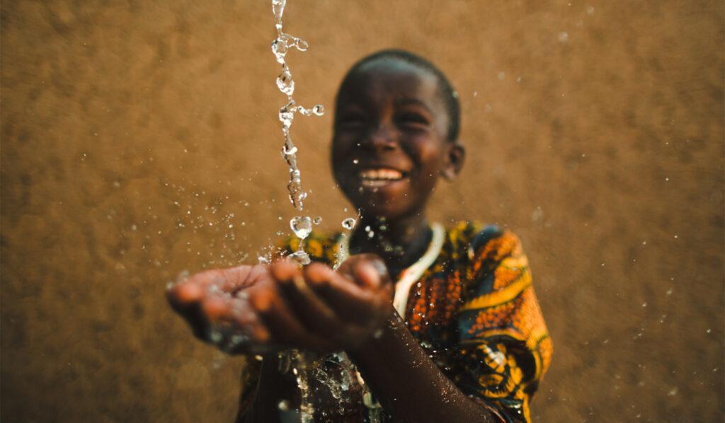 Encourage entrepreneurship between school children in Africa and the US